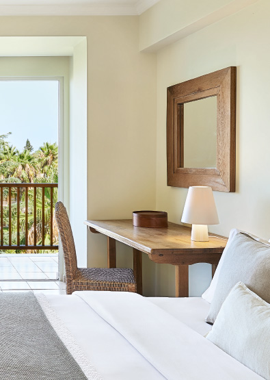 01-classic-side-sea-view-room-filoxenia-kalamata-accommodation