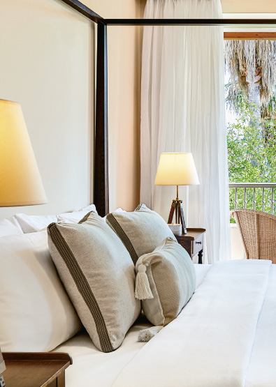 deluxe-guestroom-side-sea-view-accommodation-filoxenia-kalamata