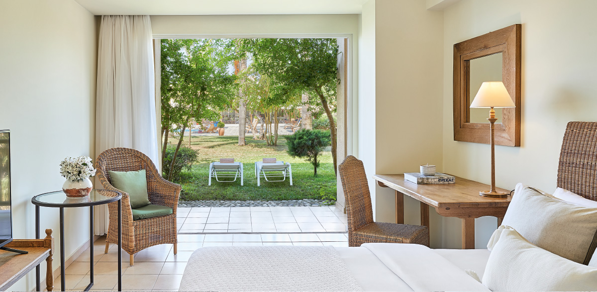 01-interconnecting-rooms-with-covered-veranda-in-filoxenia-family-resort