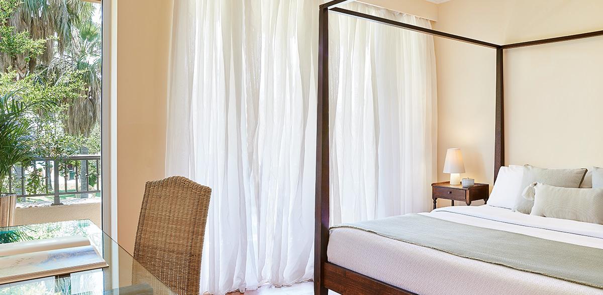 01-family-room-filoxenia-hotel-kalamata
