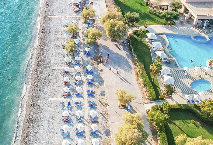 04-beach-and-pools-filoxenia-hotel-in-kalamata