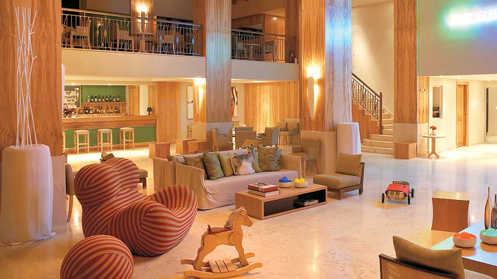 filoxenia hotel lounge bar kalamata