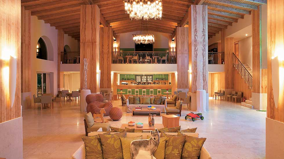 lobby lounges in filoxenia hotel kalamata