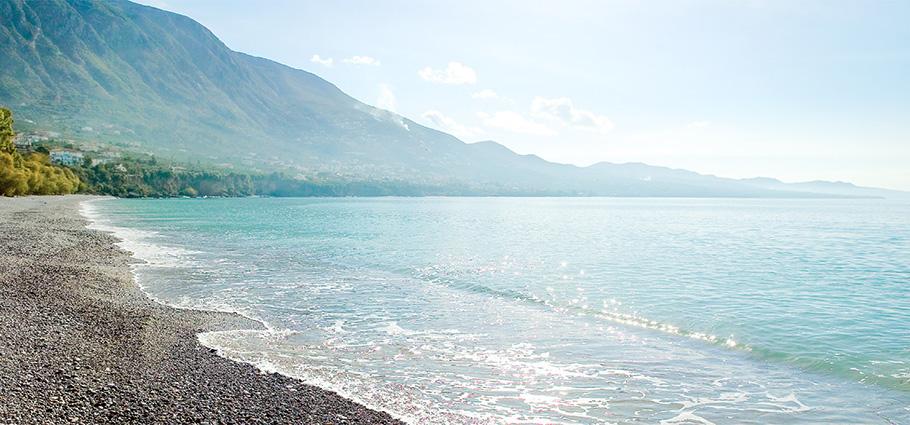 01-filoxenia-kalamata-luxury-beach-hotel-peloponnese-greece