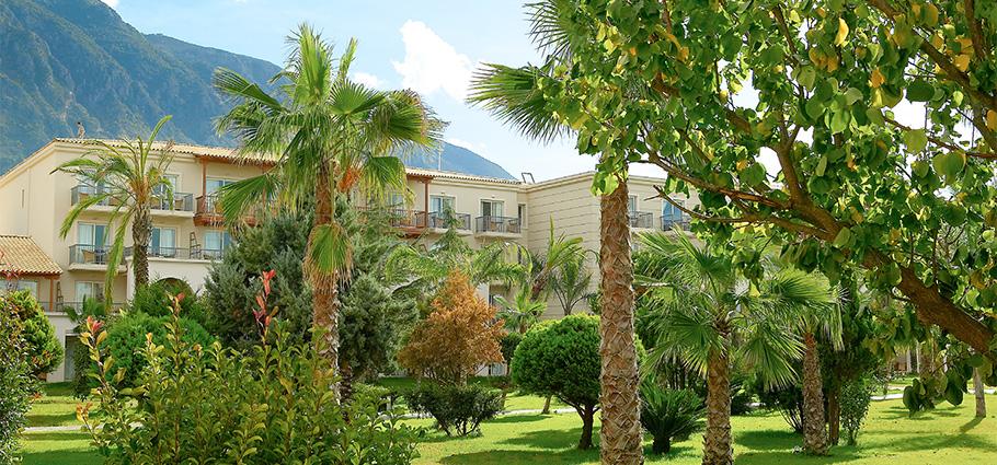 02-filoxenia-kalamata-luxury-beach-hotel-peloponnese-greece